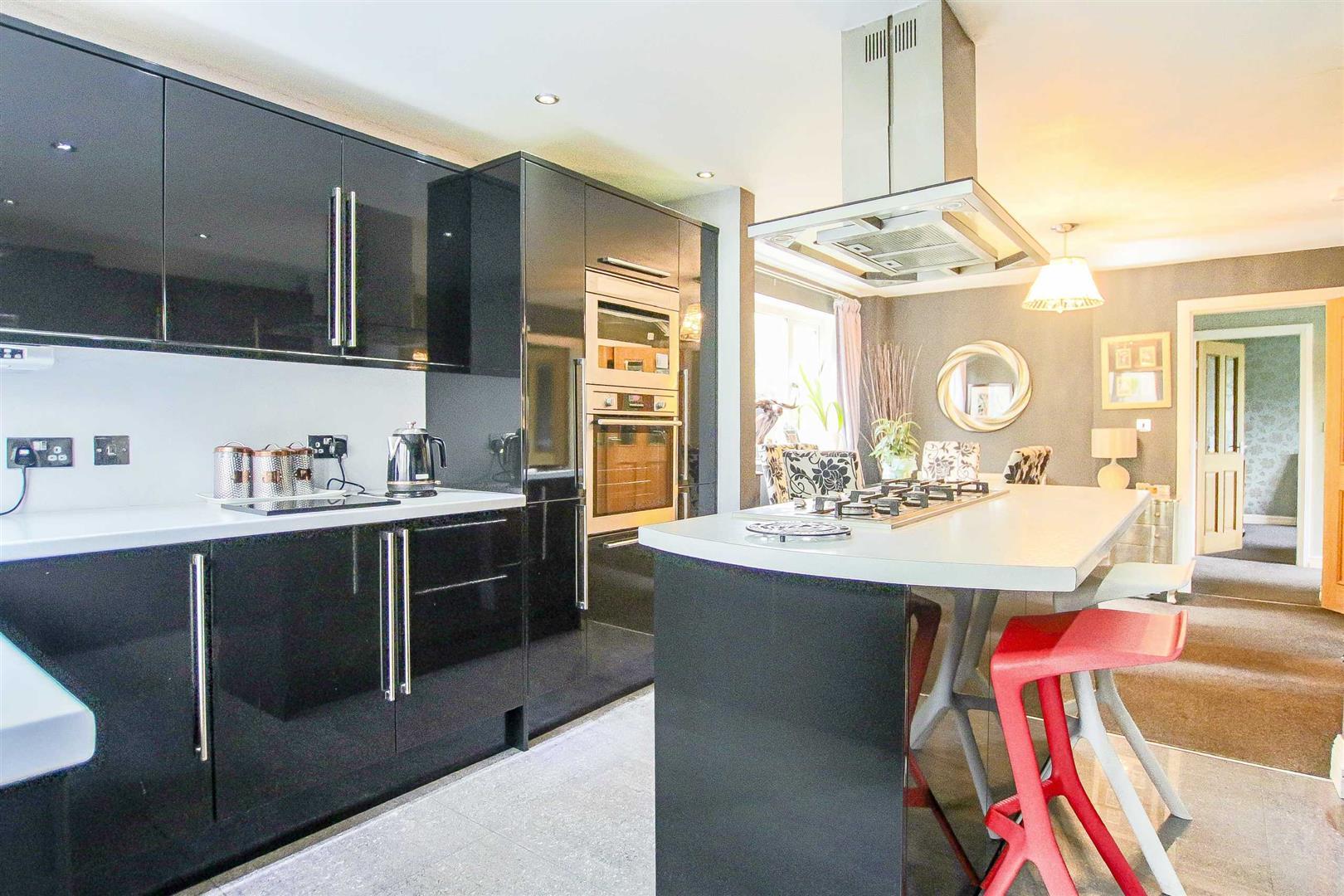 5 Bedroom Detached House For Sale - Image 34